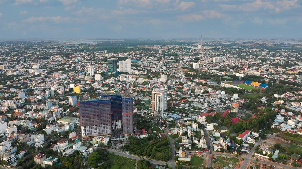 Hoàn thiện tầng 29, C-Sky View nổi bật giữa lòng thành phố Thủ Dầu Một