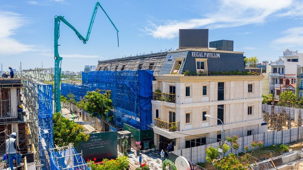 Regal Pavillon - Chuỗi shophouse 5 sao giữa trung tâm Đà Nẵng cất nóc chỉ sau 2 tháng khởi công