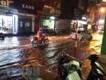 Áp thấp nhiệt đới trên Biển Đông, dự báo gió giật cấp 9, Hà Nội có mưa