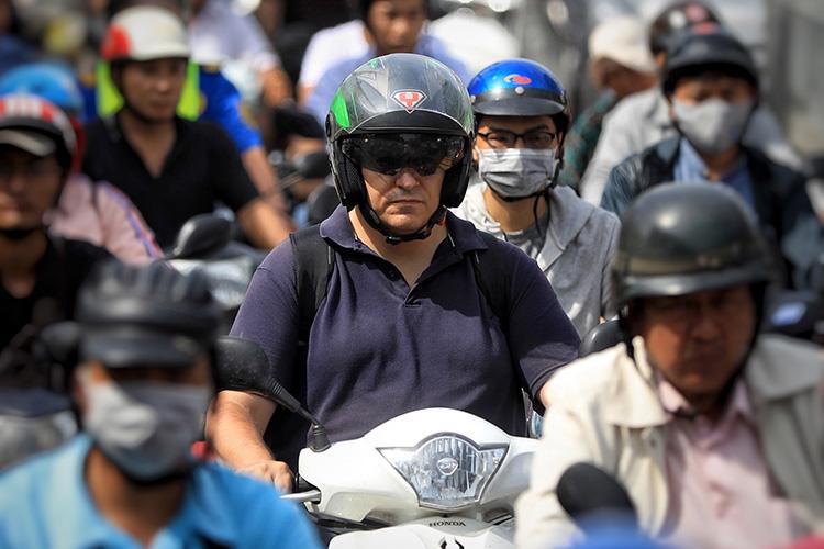Khu Nam Sài Gòn kẹt xe nghiêm trọng, dự án 'giải cứu' còn trên giấy
