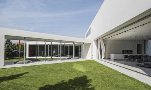 Ngôi nhà có thể thay đổi hình dạng để tránh nắng