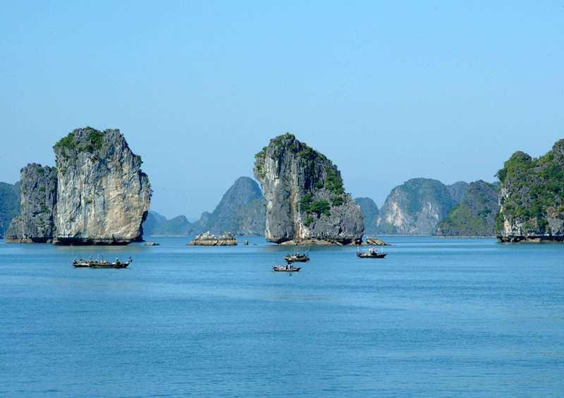 """Hạ Long đón """"tuyệt tác"""" du thuyền gần 2 triệu USD Galeon 660 fly"""