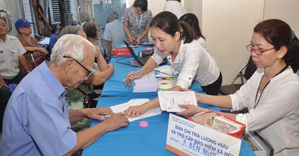 Đề nghị các tỉnh bố trí ngân sách mua thẻ BHYT cho người cao tuổi, người khuyết tật