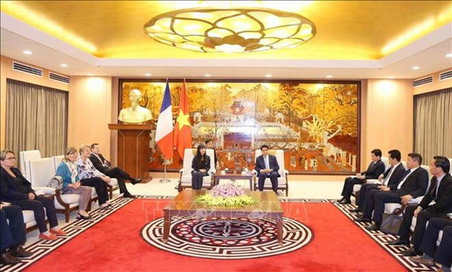 Hanoi hopes to strengthen ties with France in infrastructure construction