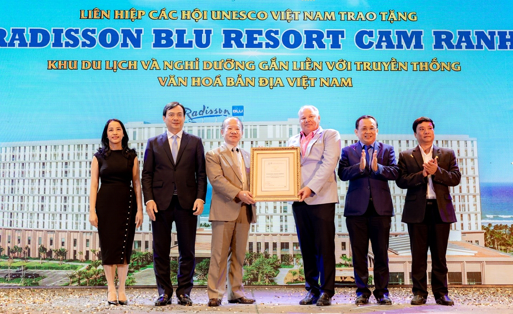 ocean luxury villa by radisson blu thang lon tai dot property vietnam awards 2020
