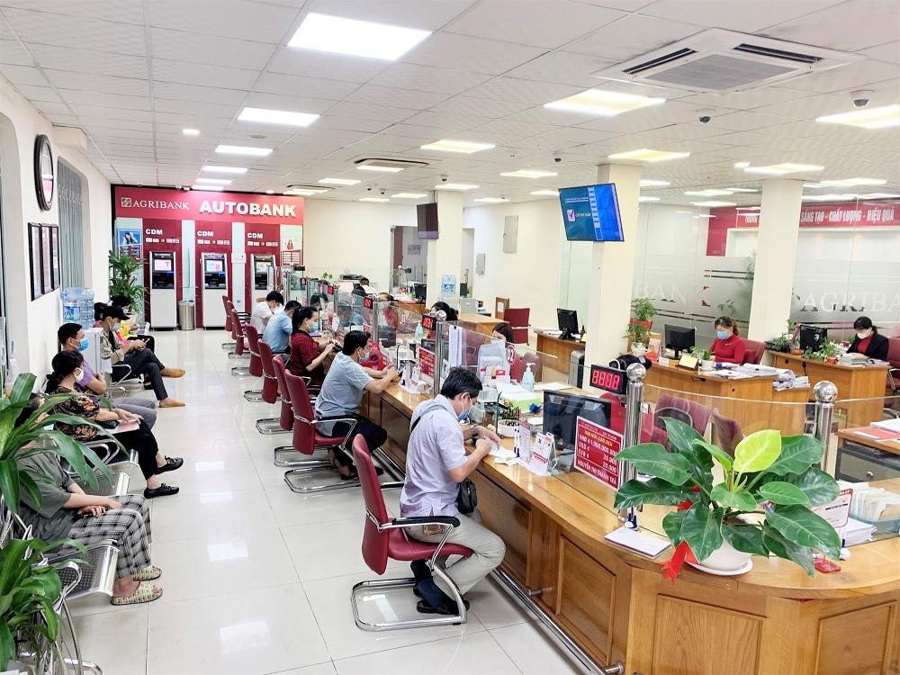 Tiên phong hỗ trợ khách hàng bị ảnh hưởng bởi dịch Covid-19, Agribank tiếp tục giảm lãi suất lần thứ 5