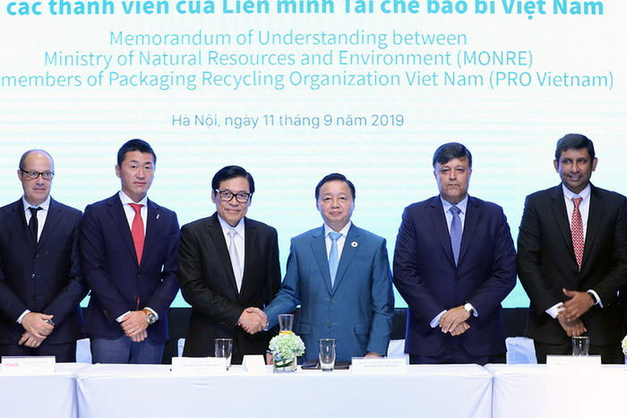 PRO Việt Nam cùng Bộ Tài nguyên và Môi trường chia sẻ trách nhiệm giải quyết vấn đề rác thải nhựa trong ngành Bao bì