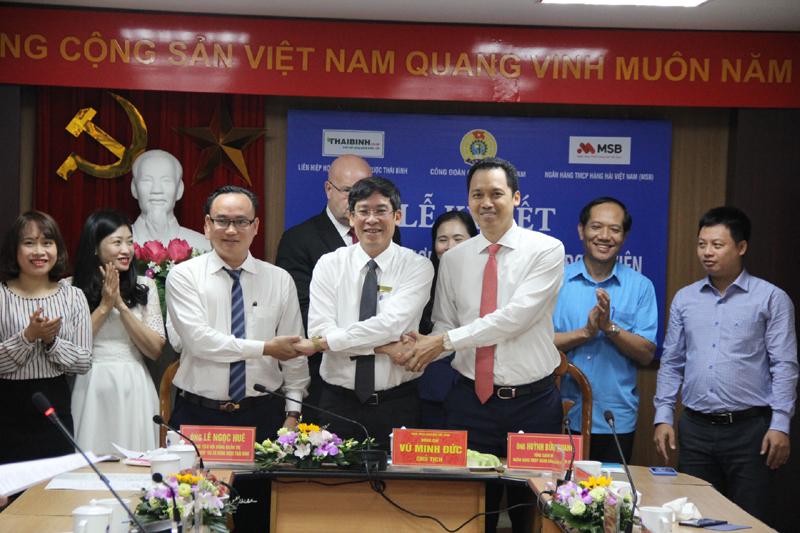 Lễ ký kết thỏa thuận hợp tác vì phúc lợi đoàn viên Công đoàn Giáo dục