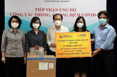 T&T Group và Ngân hàng SHB trao tặng Thành phố Hồ Chí Minh 2 triệu bộ kit xét nghiệm nhanh Covid-19 trị giá 250 tỷ đồng