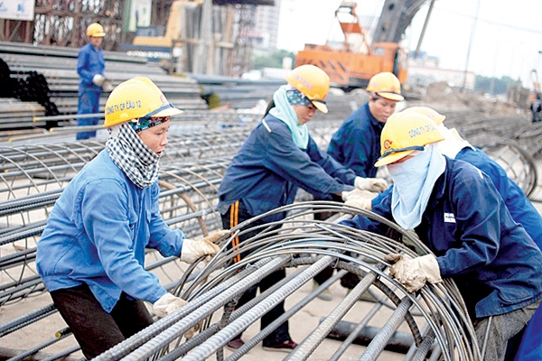 Hướng dẫn điều chỉnh giá nhân công trong hợp đồng xây dựng