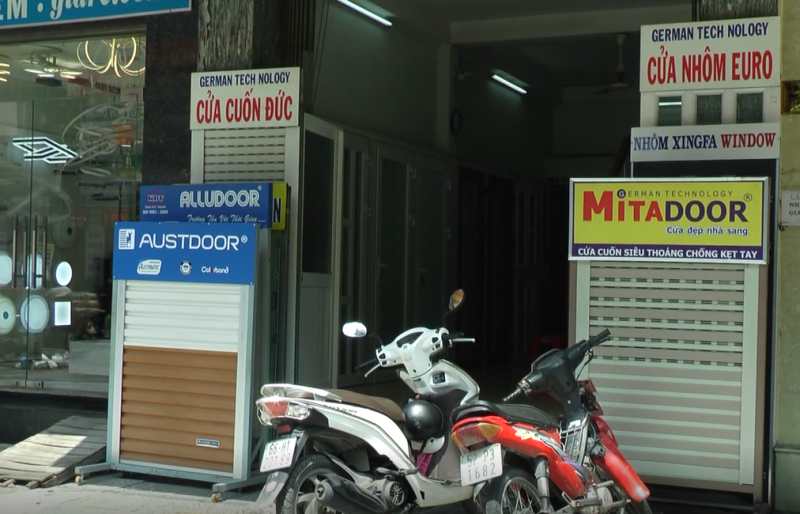 TP Hồ Chí Minh: Bát nháo thị trường cửa cuốn