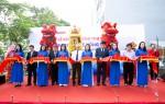 Vietbank tặng quà khách hàng nhân dịp khai trương trụ sở mới PGD Hồng Phong