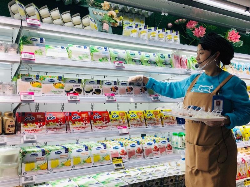 Sữa chua Vinamilk chính thức lên kệ siêu thị thông minh Hema của Alibaba tại Trung Quốc
