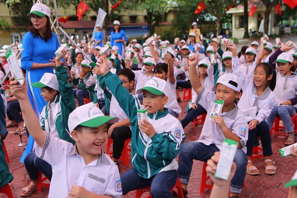 Hà Nam phát động Chương trình Sữa học đường năm học 2020-2021