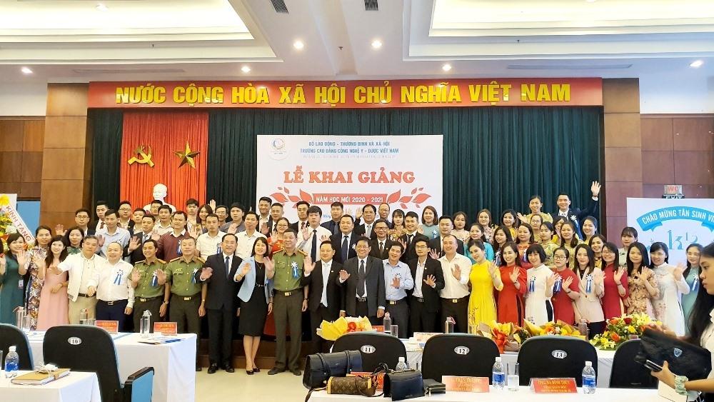 Cao đẳng Công nghệ Y - Dược Việt Nam: 15 năm hình thành và phát triển