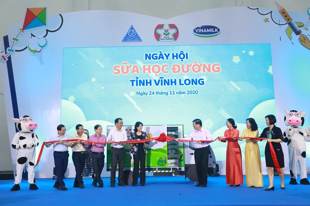 Tỉnh Vĩnh Long và Vinamilk tổ chức Ngày hội Sữa học đường