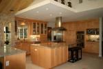 Bài trí phòng bếp đơn giản và sang trọng