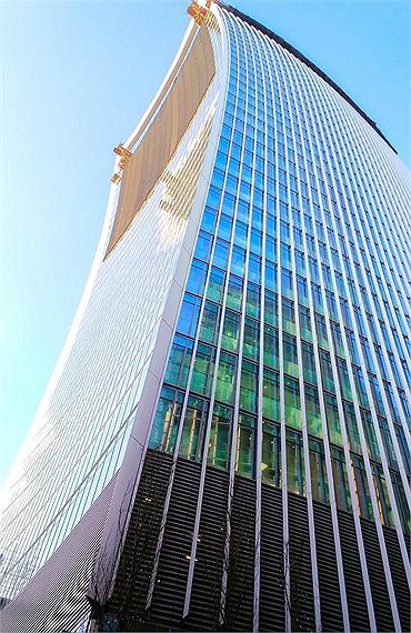 154947baoxaydung image005 Cùng nhìn qua 10 tòa nhà chọc trời có thiết kế dị thường độc đáo