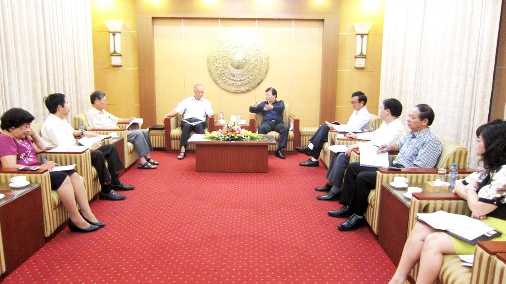 Bộ trưởng Trịnh Đình Dũng làm việc với Tổng hội Xây dựng Việt Nam