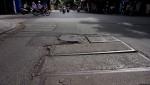 """Hà Nội: Gập ghềnh những con đường """"chắp vá"""""""