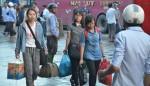 Người dân ùn ùn kéo về Thủ đô sau kỳ nghỉ lễ