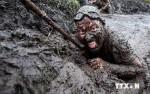 Độc đáo cuộc đua trong bùn gây quỹ từ thiện tại Anh
