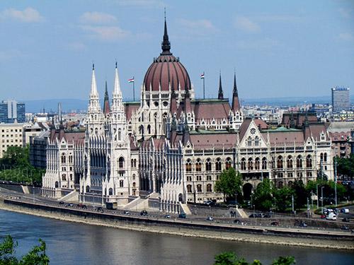 tòa quốc hội tại Hungary