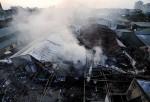 Xưởng gỗ tan hoang sau hỏa hoạn