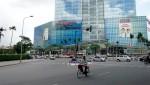 Trung tâm thương mại vẫn 'hẩm hiu' mong khách