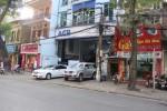 """""""Vô tư"""" đỗ xe tại phố Bà Triệu"""