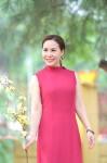 Hai mẹ con nữ hoàng doanh nhân Kim Chi rực rỡ đón nắng Xuân