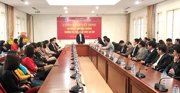 Trao Quyết định bổ nhiệm Phó Hiệu trưởng Trường Đại học Kiến trúc Hà Nội