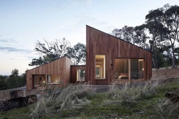 Ngôi nhà gỗ ấm cúng bao bọc bởi các bụi cây ở Australia