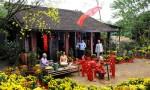 Khách Tây: Tết là dịp để người Việt xóa bỏ nợ nần, xích mích