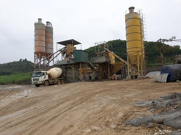 Quỳ Hợp (Nghệ An): Trạm trộn bê tông trái phép trên đất nông nghiệp