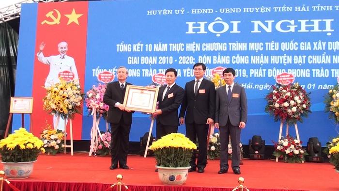 Thái Bình: Tiền Hải đón bằng công nhận huyện đạt chuẩn quốc gia Nông thôn mới