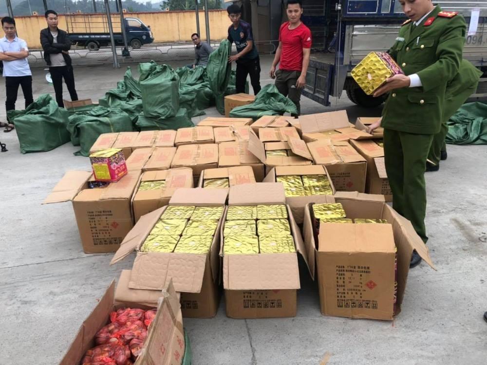 Yên Bái: Bắt giữ vụ vận chuyển trái phép pháo nổ lớn nhất từ trước đến nay