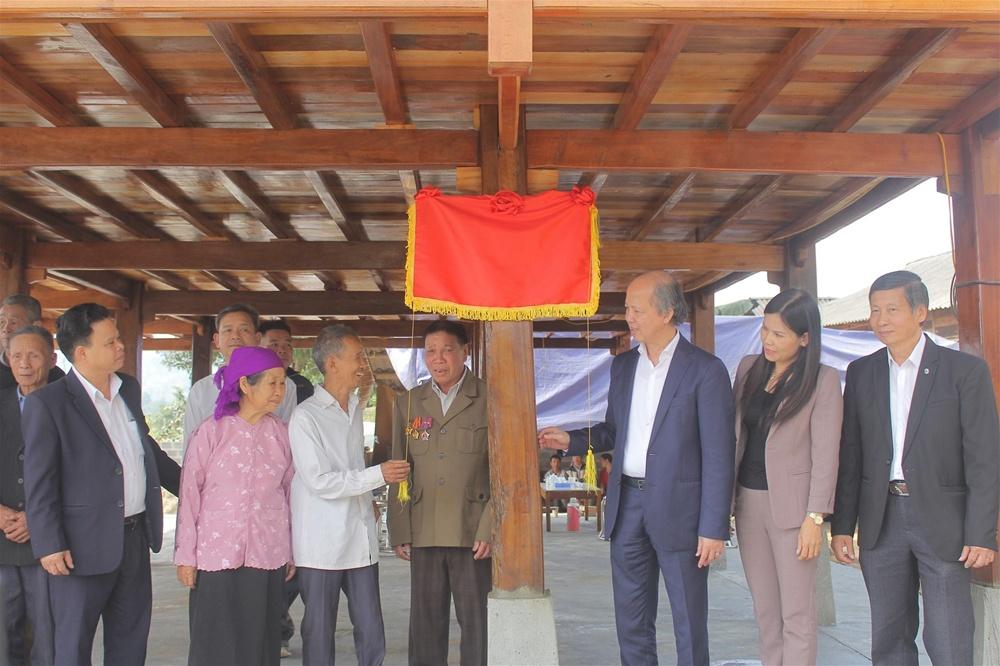 Yên Bái: Bàn giao nhà tình nghĩa cho 10 gia đình tại huyện Văn Chấn