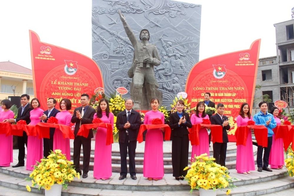 Vĩnh Phúc: Khánh thành tượng đài Anh hùng liệt sỹ Nguyễn Viết Xuân