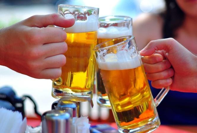 Những cách giảm nồng độ rượu bia vừa hại người, vừa 'dính' nguyên án phạt