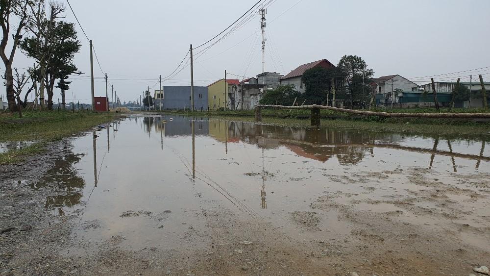 """Hà Tĩnh: Bán đất đấu giá khi hạ tầng khu quy hoạch chưa hoàn thiện đẩy nhà đầu tư vào thế """"tiến thoái lưỡng nan"""""""