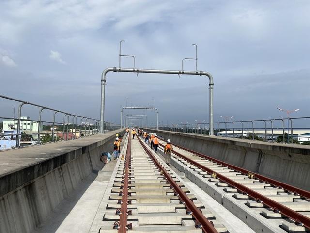 TPHCM: Phát hiện thêm gối cao su dầm cầu metro 1 bị dịch chuyển