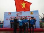 Ra quân xây dựng cột cờ Tổ quốc tại đảo Mắt