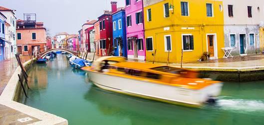 092557baoxaydung image002 Cùng nhìn qua màu sắc rực rỡ của những ngôi nhà ở đảo nhỏ Burano, Italy