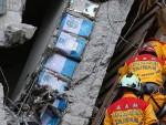 Toà nhà 17 tầng đổ sập ở Đài Loan được xây bằng can dầu rỗng