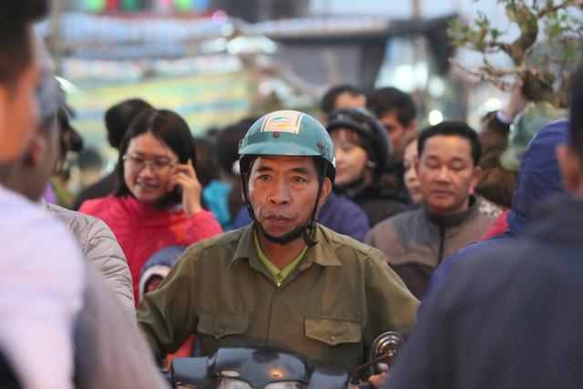 Chợ Viềng Nam định Mở Vào Ngày Nào: Nam Định: Biển Người đổ Về Chợ Viềng Trước Giờ Khai Hội