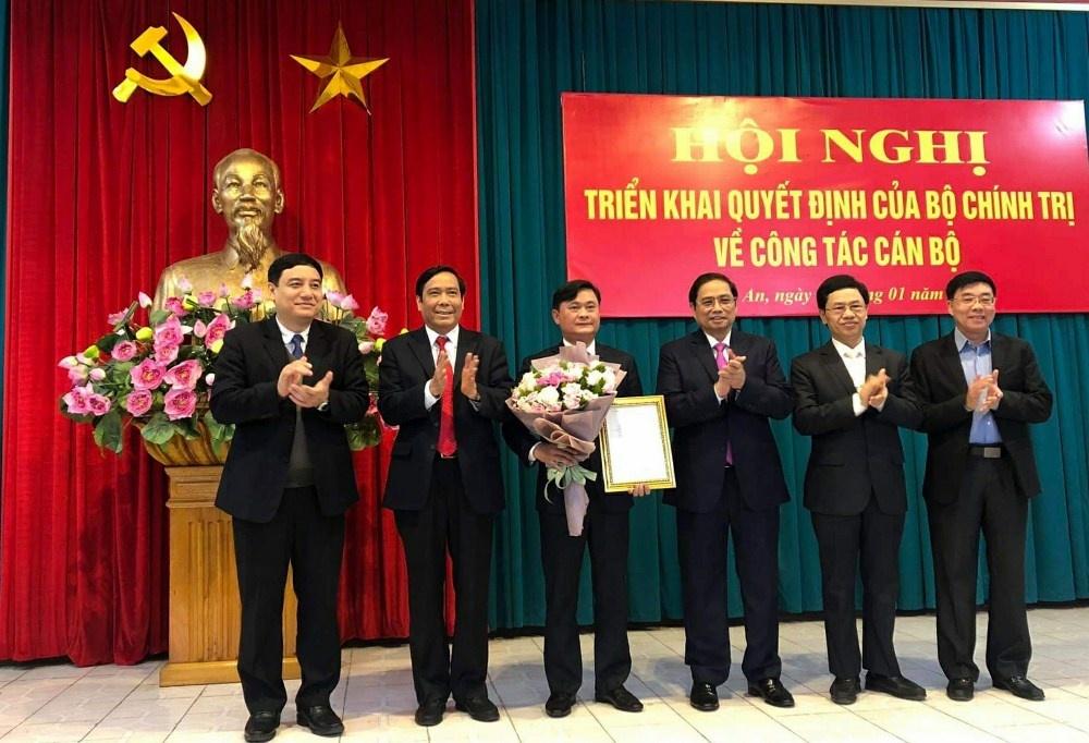 Bộ Chính trị chuẩn y Bí thư Tỉnh ủy Nghệ An