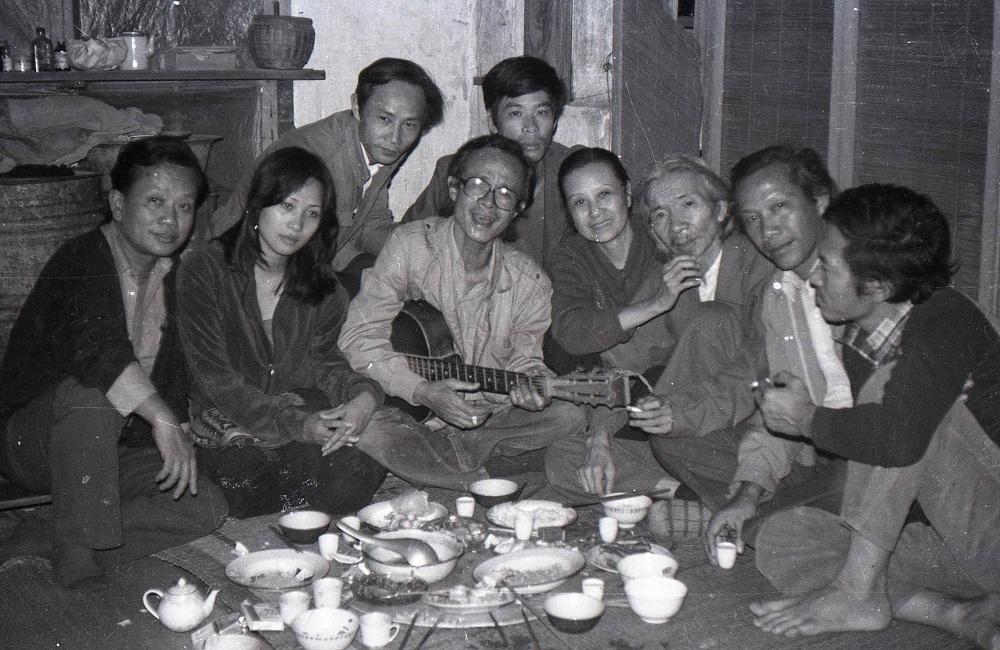 """Ra mắt sách """"Những người muôn năm cũ"""" của nhiếp ảnh gia Hà Tường"""