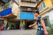 cuoc song chat choi trong khu tap the khong biet sap luc nao o ha noi