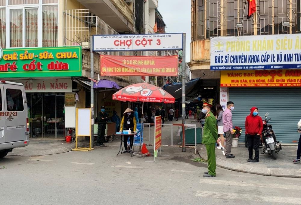Hạ Long (Quảng Ninh): Đóng cửa một chợ vi phạm lệnh chống dịch